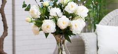 Creeaza un colt verde in locuinta ta! Alege cele mai cautate flori de plastic si bucura-te de un decor superb!