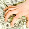 Finanţele îşi asigură sumele la buget din banii companiilor energetice