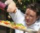 Jamie Oliver: zahărul ar trebui impozitat la fel ca tutunul