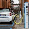Merkel cere dezvoltarea producţiei de baterii pentru mașini electrice în UE