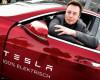 Tesla vrea să ia 2 miliarde dolari din vânzarea de acţiuni şi obligaţiuni