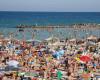 Hotelurile de pe litoral așteaptă turiști după 1 iunie