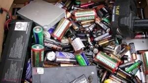 baterii uzate acumulatori